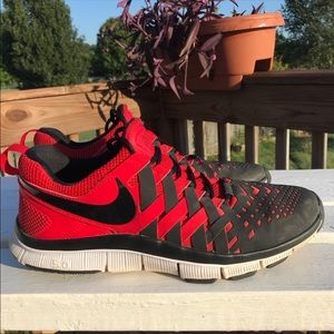 Nike Shoes - Nike Free Trainer 5.0 Black/Red Finger Trap Weave